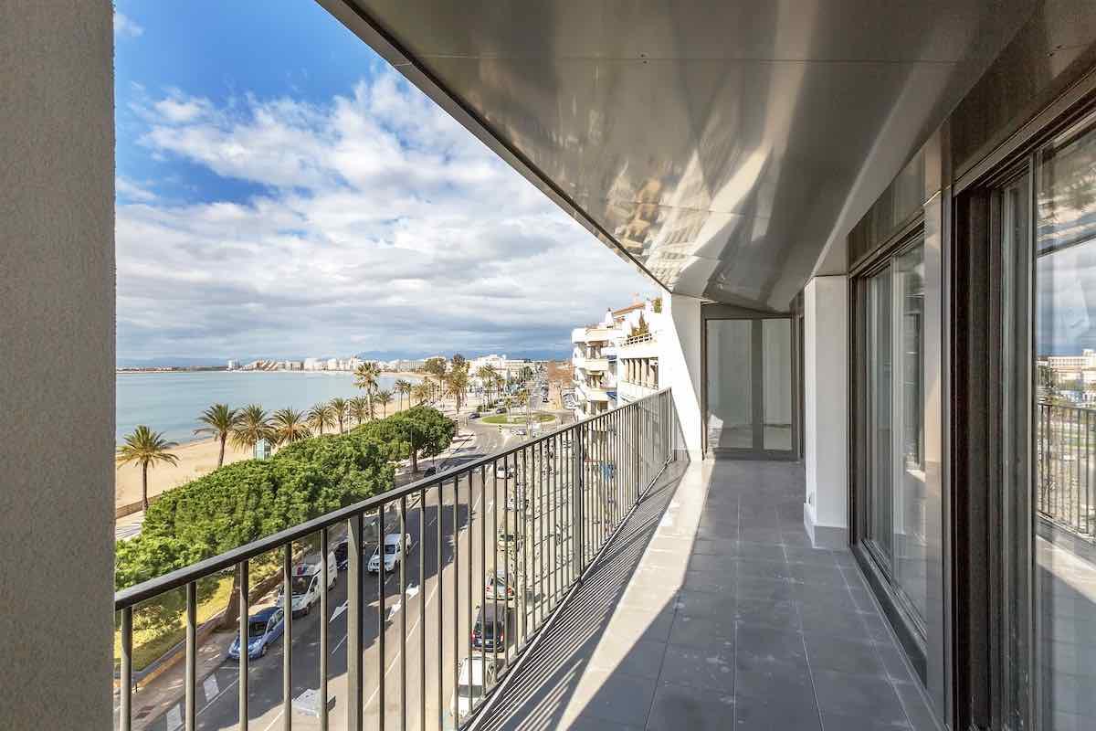 viviendas en la costa mediterránea